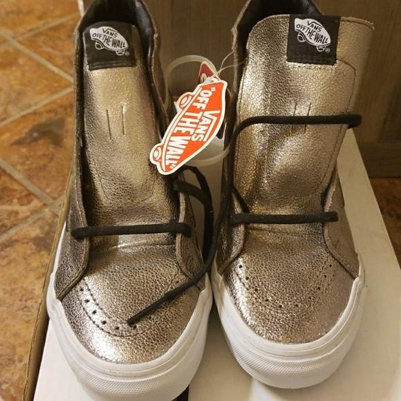 d60f94b481cc4e Vans hightop sneakers